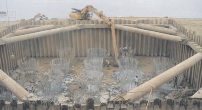 钢板桩应用于新加坡海湾支护工程