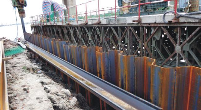 钢板桩应用于哈尔滨松花江大桥改建工程